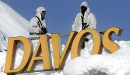 W Davos jak na wojnie: snajperzy na dachach, wozy opancerzone na drogach