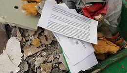 Listy od ZUS w śmietniku to zły pomysł. Mieszkaniec z Pruszkowa popełnił błąd