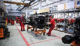 Produkcja przemysłowa broni się przed spadkiem. Dane GUS lepsze od prognoz
