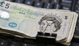 Kursy walut. Funt pod presją komentarzy z Banku Anglii