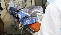 Wirus z Chin wielką niewiadomą. Nawet profesorowie nie mają zdania