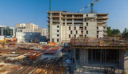 Rynek mieszkań. Polacy znowu kupują dziury w ziemi