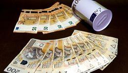 Kursy walut. Koniec roku może być trudny dla złotego