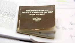 Morawiecki w expose: zmieńmy Konstytucję