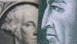 Kurs dolara jest niższy. Przerwa i Fed posłużyły złotemu