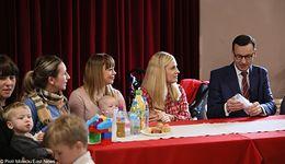 500+. Premier Morawiecki: To ogromna radość, że program obejmie każde dziecko