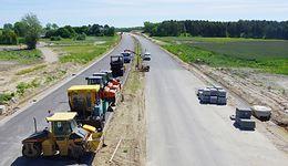 Budżet na drogi lokalne wyborczym paliwem rządu. Opozycja zarzuca działanie pod wybory