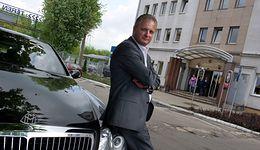 Kim jest Piotr Misztal? Milioner zagroził szkole pozwem, nauczycielom proponuje pracę za 8 tys.