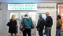 Kursy walut. W Polsce w centrum uwagi dane o PKB