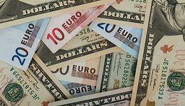Euro deklasuje dolara. Wspólna waluta najmocniejsza od 3 lat