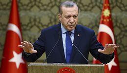 Turecka lira zjechała ostro w dół. Prezydent wyrzucił szefa banku centralnego