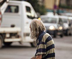 """Pandemia w Hiszpanii. Kolejki głodnych coraz dłuższe. """"To nowa twarz biedy"""""""