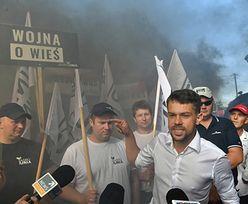 Protest rolników. Zablokowana trasa S8. Kołodziejczak: Tusk robi kabaret