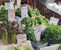 Tłumy na bazarze. Konkurencyjne ceny przyciągają klientów