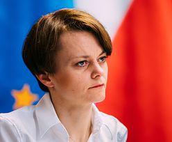 Wolontariuszka Jadwiga. Była minister pomaga w punkcie szczepień