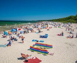 Zagwozdka dla nadmorskich samorządów: jak wpuścić na plażę 1/3 ludzi? Tego chce sanepid