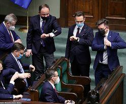 Podwyżki dla polityków. Decyzja nie przysparza PiS popularności