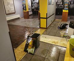 Zalane sklepy i restauracje. Biznesy w mgnieniu oka znalazły się pod wodą