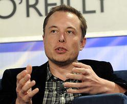 Auta za bitcoiny. Tesla ostrzega klientów