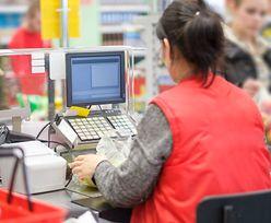 Ile zarabia kasjer? W markecie zarobisz więcej niż w ZUS-ie czy skarbówce
