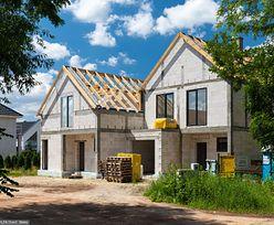 Polski Ład budzi sprzeciw architektów. Krytykują pomysł projektów domów za złotówkę