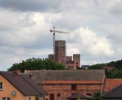 Zamek w Stobnicy. CBA wchodzi do Wielkopolskiego Urzędu Wojewódzkiego