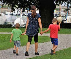 Zmiany w umowach dla rodziców? Minister: dużo matek ma ten problem
