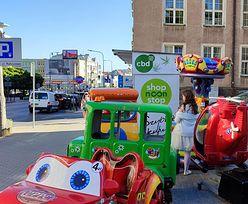 Automaty z legalnymi konopiami i zabawki dla dzieci pod ratuszem. Olsztyńscy urzędnicy bezradni