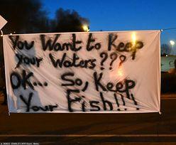 Wojna o ryby. Francuscy rybacy blokują brytyjskie ciężarówki z połowami