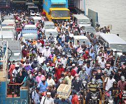 Mieszkańcy Bangladeszu szturmują promy. Uciekają przed lockdownem