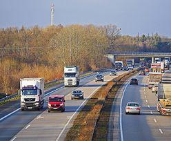 """Autostrada A1. Pomiaru hałasu nie ma, bo """"droga wciąż w budowie"""". A samochody jeżdżą tamtędy od roku"""