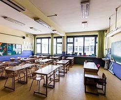 Powrót do szkół. Dziś lekcje stacjonarne, będzie nauczanie hybrydowe?