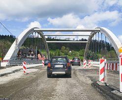 Kierowca wściekły na wakacyjne remonty dróg. Drogowcy odpowiadają na krytykę