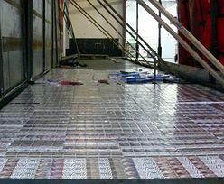 Przemyt papierosów. W podłodze ciężarówki z Białorusi ponad 8,7 tys. paczek