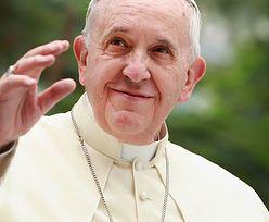 Koronawirus uderzył też w Watykan. Papież tnie pensje duchownych