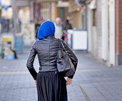 Pracownicy jednej z dużych firm: pracodawca faworyzuje muzułmankę. Co na to prawo pracy?