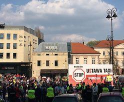 """Strajk taksówkarzy zawieszony do wtorku. Będą rozmowy z rządem w """"Dialogu"""""""