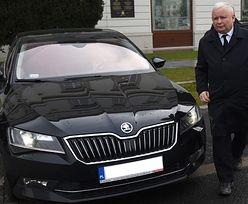 """Halloweenowe """"najście"""" Jarosława Kaczyńskiego. Jego dom jest bezpieczny, samochód - niekoniecznie"""