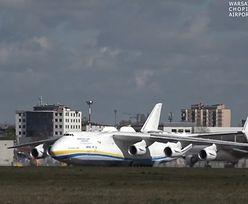 Antonow An-225 Mrija wylądował w Warszawie ze sprzętem medycznym. To największy samolot na świecie
