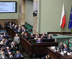 """KRS. Głosowanie w Sejmie powtórzone. Rzeczniczka PiS jako powód wskazuje """"chaos"""" i problemy techniczne"""