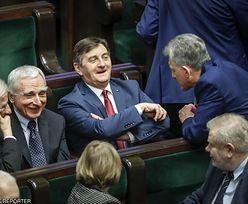 """Marek Kuchciński nadal mieszka w prezydenckiej willi. Kowalczyk tłumaczy to """"problemami mieszkaniowymi"""""""