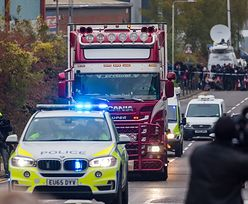 """Brytyjczycy odnaleźli 39 ciał w ciężarówce. """"Takie tragedie dzieją się cały czas, to pole minowe dla kierowców"""""""