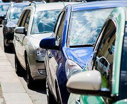 Miasta przepełnione autami. Nie ma gdzie parkować