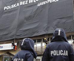 Policja zatrzymała aktywistów Greenpeace, którzy wywiesili banner na siedzibie PiS w Warszawie
