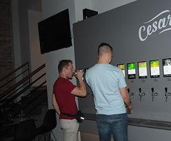 Samoobsługowy bar bez barmana i kolejek. Sprawdziliśmy, jak wygląda piwna rewolucja 2.0