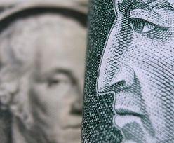 Dolar nie był tak tani od ponad dwóch lat. Przekracza kolejne granice