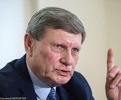 """Prezes PiS mówi o podartym liście Balcerowicza. """"Brutalne wykorzystywanie braku wiedzy wyborców"""", odpowiada prof. Gomułka"""