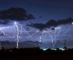 """Gdzie jest burza? IMGW ostrzega przed burzami i gradem w ośmiu województwach. Czym jest """"Alert RCB""""?"""