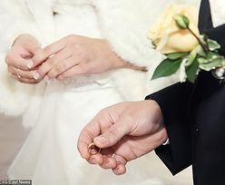"""Fiskus nie uwierzył w 120 tys. zł """"z koperty"""" i wziął finanse młodego małżeństwa na celownik"""