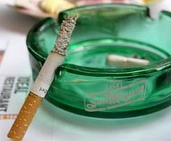 Palenie papierosów ma być mniej przyjemne. Unia szykuje dyrektywę